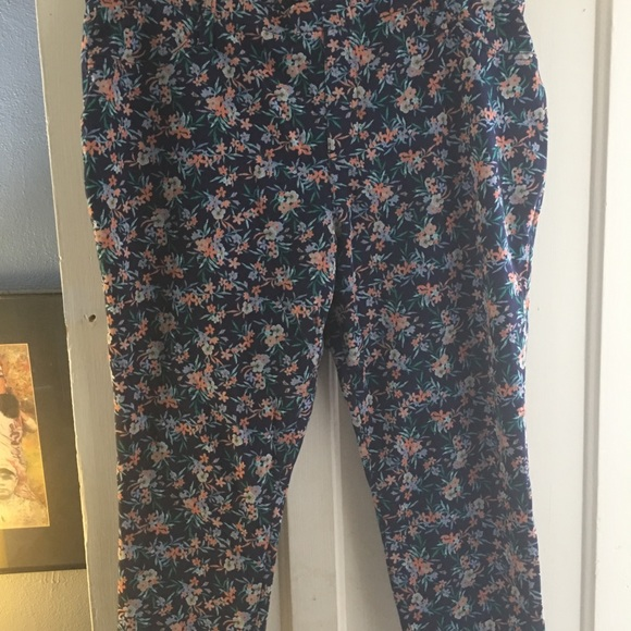 Faded Glory Pants - Floral jeggings
